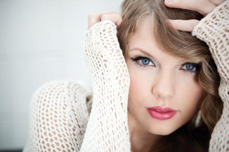 Taylor Swift - taylor, taylor swift, swift, singer, cute