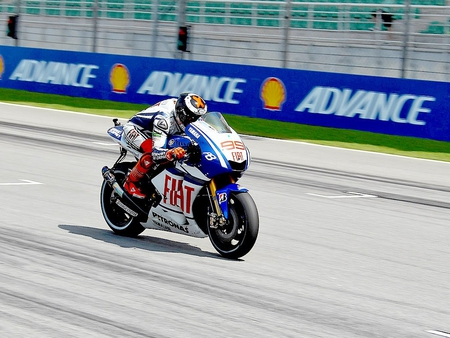 Jorge Lorenzo World Champion - world, champion, jorge, yamaha, lorenzo, fiat, 2010, m1, motogp