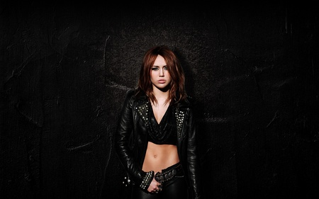 Miley Cyrus - miley cyrus, entertainment, singer, music, people, actresses, celebrity, songwriter