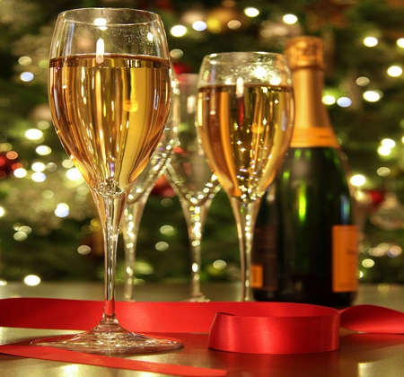 Happy New Year - christmas, photography, magic, new year, red, holiday, glasses, lights, glass, xmas, colors, magic christmas, merry christmas, wine, reflection, beauty, champagne, beautiful, lovely, bottle, pretty, happy new year