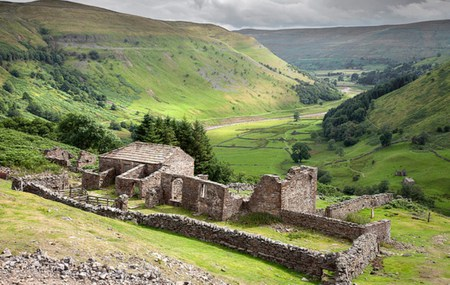 The Yorkshire Dales-The Ruins of Crackpot Hall