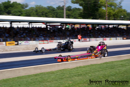 Dragsters - loud, pulse, quarter mile, 4 seconds