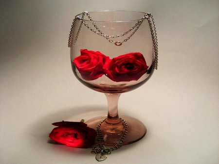 CLASSIC ROMANCE - glass, velantine, chain, romantic, flowers, roses