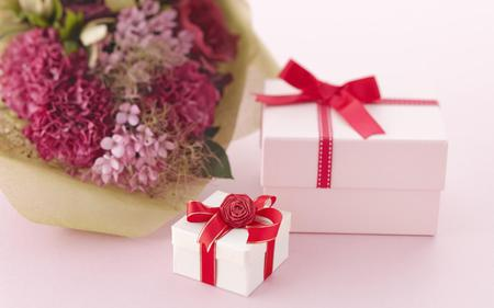 Valentine's gifts - romance, love, photography, gifts, flowers, presents, boxes, valentines day