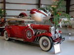 1932 Duesenberg and Beechcraft 18