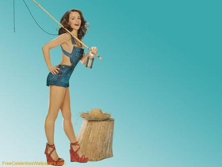 Kristin Davis - pretty red shoes, female, actress, short blue sexy jeans, smile, long hair, long legs