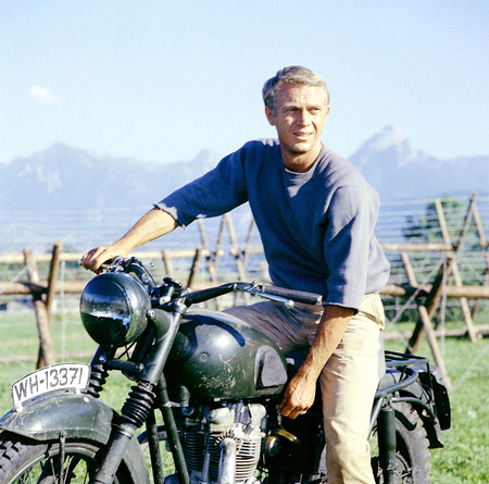 Steve Mcqueen The Great Escape 3d And Cg Abstract Background