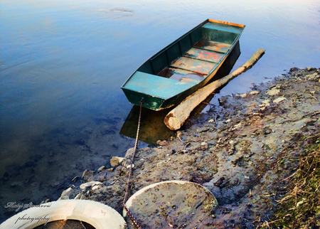 Boat in the river - water, boat, river, lawn, tire, blue