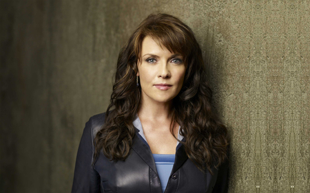 Amanda Tapping - samantha, brown, magnus, beautiful, woman, tapping, hair, carter, helen, hot, face, babe, sexy, lips, brunette, girl, sanctuary, amanda, lady, eyes, stargate
