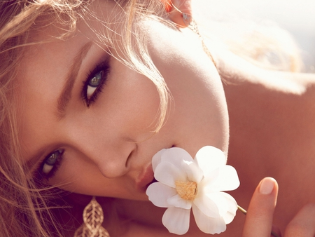 Beauty - sensual, pretty, women, sweet, nice, she, hand, flowers, beauty, face, lovely, models, closeup, blonde, sexy, lips, hands, makeup, sex, eyes, white, red, dress, blond, beautiful, woman, elegant, hair, photography, white flower, hot, fields, female, model, colors, lily donaldson, girl, flower, summer