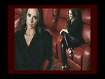 Jennifer Love Hewitt Is Gorgeous In Her Leather Pants