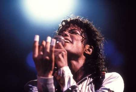 The king is singing - emotions, michael jackson, feeling, shining star, angel, king of pop, genius, singer, forever in our hearts, love, legend