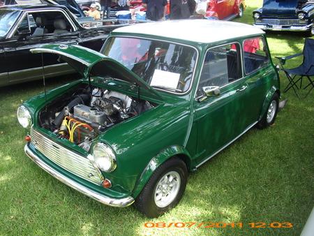 Classic Mini Cooper Mini Cooper Cars Background Wallpapers On