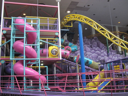 Amusement Parks at West Edmonton Mall  06 - red, photography, purple, green, amusement parks, yellow, pink, slider