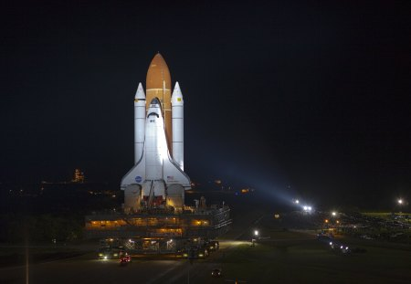 SPACE SHUTTLE ENDEAVOUR - nightsky, shuttle, launchpad, nasa, space