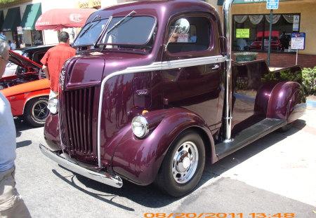CUSTOM FORD TRUCK - trucks, rodder, auto, hot, street, car, show, custom, classic, hotrod, autos, truck, outside, cars, ford
