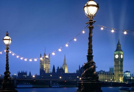 Night time in London - image, light bulbs, picture, lights, city,