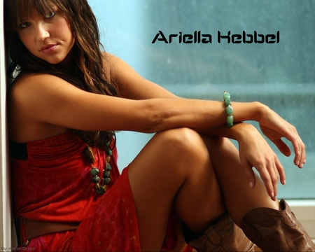 Arielle Kebbel (2) - model, waiting, kebbel, sitting, beauty, arielle
