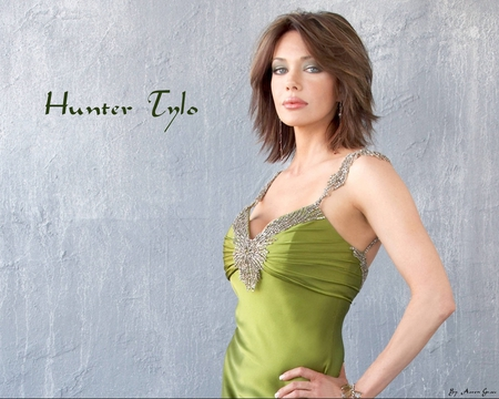 Hunter Tylo - tylo, dress, green, model, beauty, fashion, hunter, gorgeous
