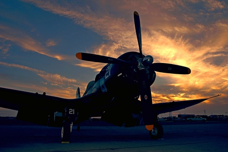 Sunset Corsair - sunset, f2, corsair, goodyear, ww2, f4u, wwii, plane, airplane, vought