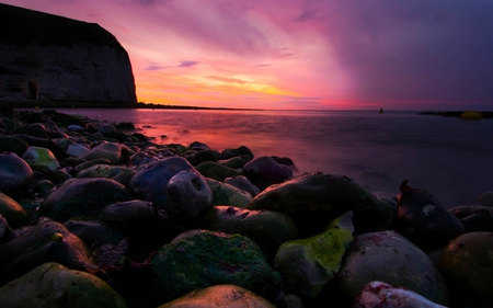 Stay and Watch - sun, view, beautiful, sunset, rockes, sky, clouds, sea, wave, purple, nature, pink, night