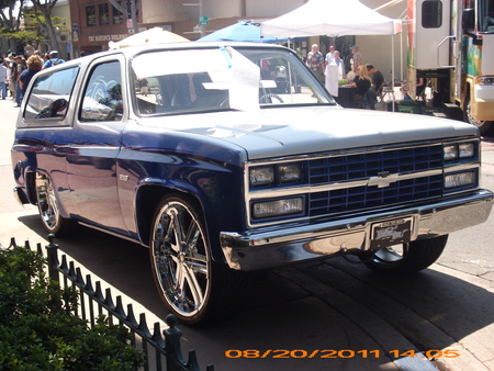 LIFTED BLAZER - outside, autos, chevy, lowered, custom, suv, cars, show, nice, kool, chevrolet, blazer, car, auto, low
