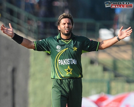 SHAHID AFRIDI - amazing, male, action, man, hq, cartan, cool, pakistan, cricket