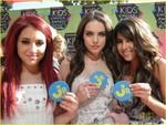 Ariana Grande & Elizabeth Gillies & Daniella Monet
