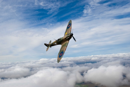 Spirfire Banking - world, war, ww2, sky, clouds, airplane, plane, antique, wwii, classic, supermarine, spitfire