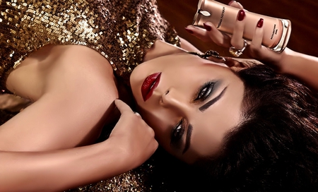 ♥Perfume Beauty♥ - perfume, photograph, sensualy, model, elegant, gold, beauty, glamour, red lips