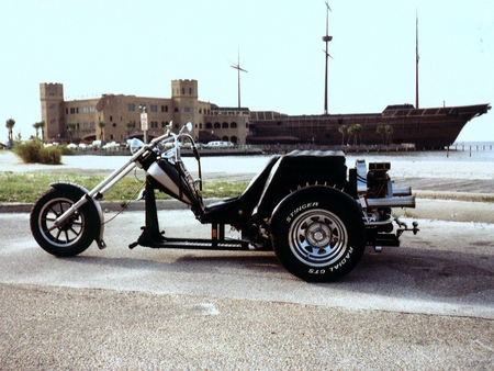 The Outlaw Lowrider - lowrider, motorcycles, trike, harley