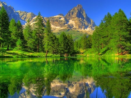 Green mountain reflection mountains nature background - Background pictures of nature for desktop ...