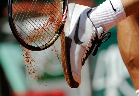 Roger Federer - leg, raquet, tennis shoe, foot, clay