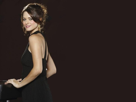 Lyndsy Fonseca Actresses People Background Wallpapers On