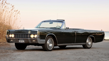 1967 Lincoln Continental Convertible - continental, 67, black, 1967, antique, convertible, lincoln, classic, vintage