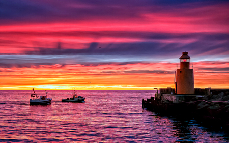 Lighthouse - beauty, lovely, colorful, days end, sunset, boats, fishermen, beautiful, nature, pink, pink sky, peaceful, sea, sailing, sunrise, lighthouse, clouds, sailboat, skies, view, ocean, colors, light, sky, splendor, architecture, sailboats, lighthouses