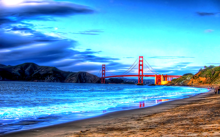 Golden Gate - architecture, golden gate, beautiful, clouds, sea, beach, sand, splendor, bridge, golden gate bridge, beauty, reflection, blue, lovely, view, ocean, waves, sky, peaceful, nature, walk