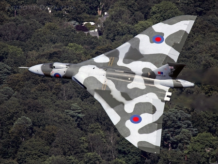 Avro Vulcan - delta, british, wing, avro, airplane, plane, antique, vulcan, bomber, classic, jet, vintage