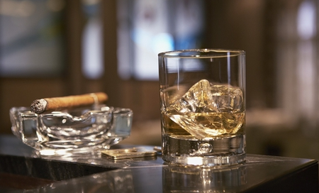 Drink and Cigar - free, food, time, weekend, beverage, glass, alcohol, cigar, drink, smoke, relaxing