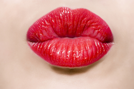 CUPID BOW LIPS - red, cupid, bow, lips, kiss