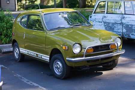 Honda Z600 GT - 600, gt, z600, honda, micro, mini, antique, green, car, classic, vintage